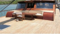 Sail Yacht DOLCE VITA -  Foredeck Seating