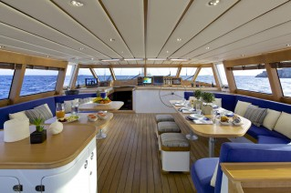 Sail yacht ALLURE -  Upper Salon
