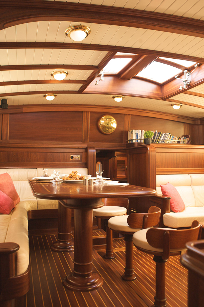 Sail ilios sail yacht ilios dining table luxury for Table design yacht