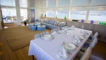 Sail yacht L'AQUILA - Formal Dining