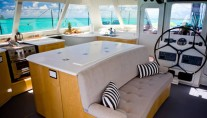 Sailing Catamaran Zenyatta - Lounge