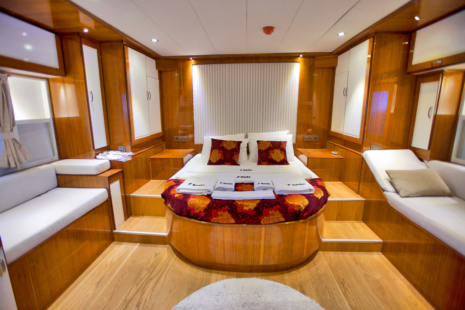 Sailing gulet maske 2 guest suite luxury yacht browser for Guest suite