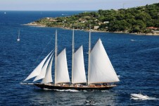 Classic Sailing Schooner�ATLANTIC