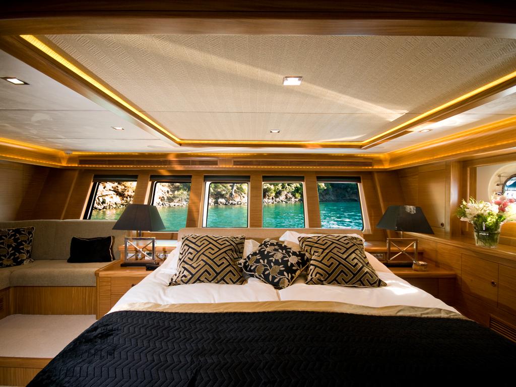 Sailing Yacht DAIMA - Master Cabin