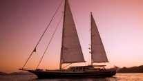 Sailing Yacht DAIMA - Sunset