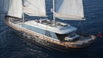 Sailing Yacht Infinity -  Deck View
