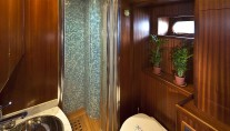 Sailing Yacht Myosotis -  Bathroom