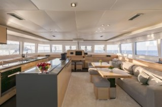 Sailing Yacht TWIN012