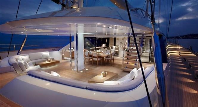 Yacht twizzle a royal huisman superyacht charterworld for Interior yates de lujo