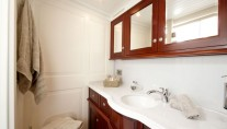 Sailing yacht Annagine - Double Cabin bathroom