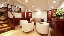 Sailing yacht Annagine - Lower Salon seating