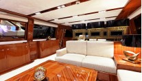 Sailing yacht GLORIOUS -  Salon Lounging
