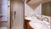 Sailing yacht KEALOHA -  Bathroom