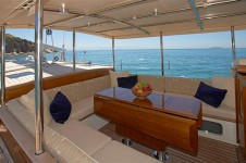 Sailing yacht KEALOHA -  Deckhouse in the shade