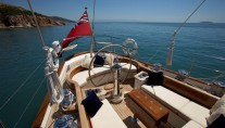 Sailing yacht KEALOHA -  Spacious Deck