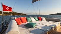 Sailing yacht Merlin -  Aft Deck Lounging
