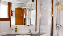Sailing yacht NEKI -  Bathroom