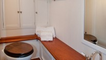 Sailing yacht Oriander -  Bathroom