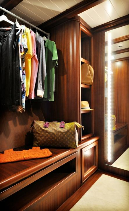 Sailing yacht REGINA - walk in wardrobe