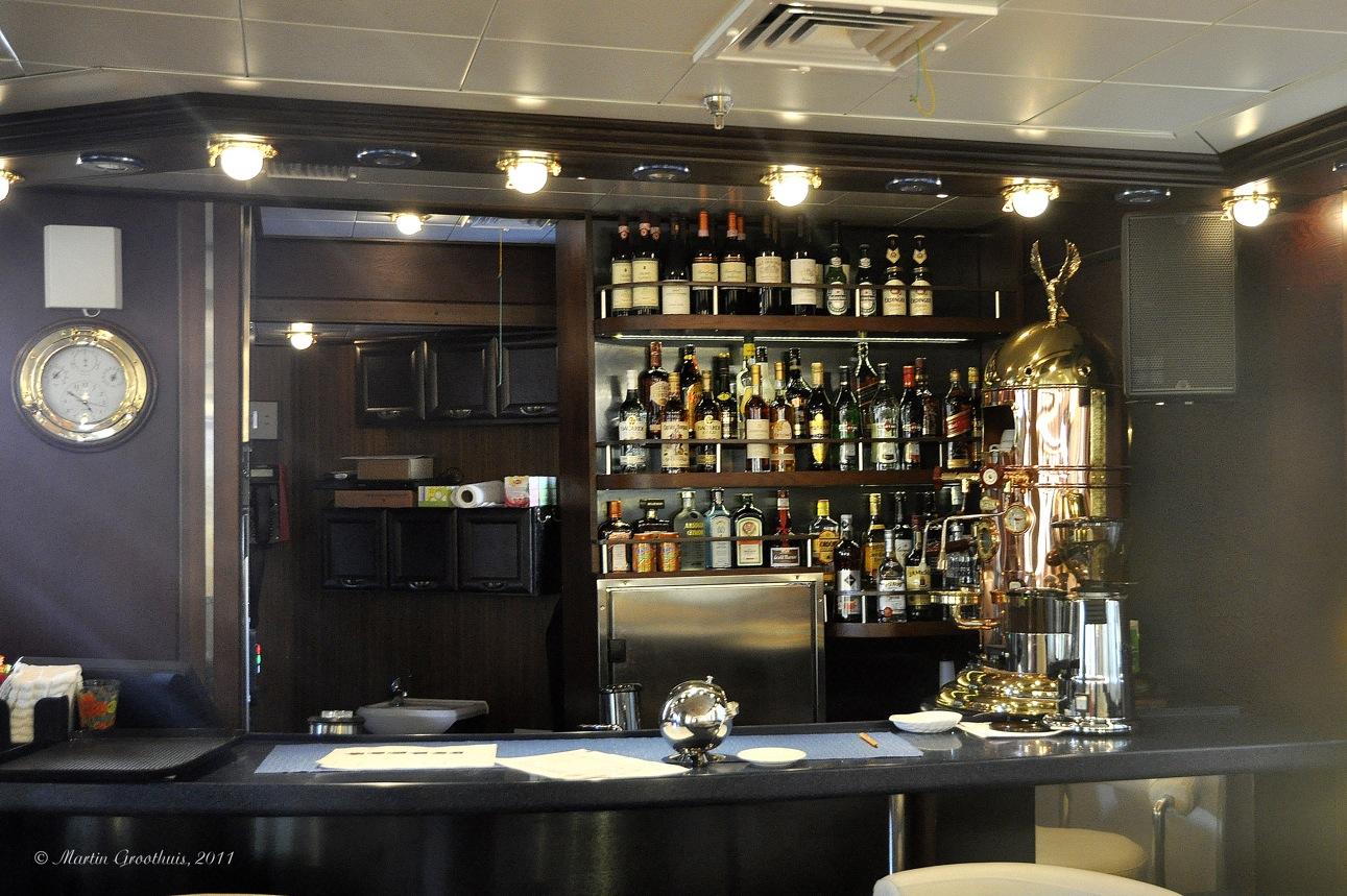 Luxury Bar Bar luxury yacht image