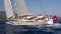 Sailing yacht SAVARONA - Main