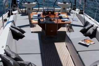 Sailing yacht SHOOTING STAR -  Cockpit 2