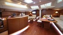 Sailing yacht SHOOTING STAR -  Salon and Galley