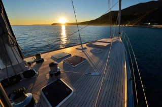 Sailing yacht TESS - Foredeck