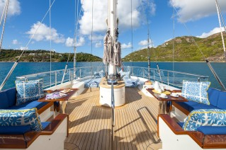 Sailing yacht VICTORIA -  Flybridge deck