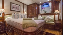 Sailing yacht WHISPER -  Double Cabin