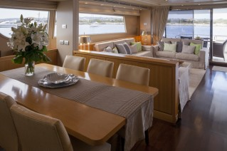 San Lorenzo Motor Yacht GOTA - Salon and dining