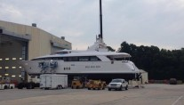 Second 100 RPH superyacht by Hatteras
