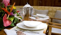 Signe -  Dining Detail