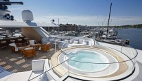 Sundeck of ROCK.IT Yacht - Jacuzzi - Photo by Feadship Fanclub