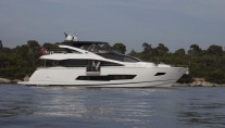 Sunseeker 86 Yacht at anchor