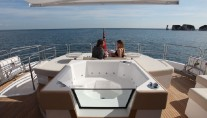 Sunseeker Predator 130 Yacht - Spa Pool