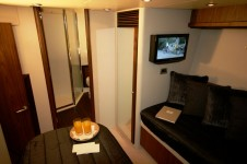 Sunseeker Yacht LAZY P -  Twin Cabin