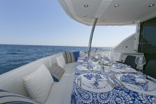 Sunseeker yacht 73M - Aft deck alfresco dining
