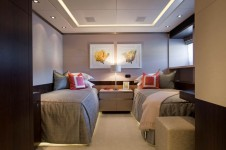 Super Yacht 4YOU - Heesen - Twin Guest Cabin.png