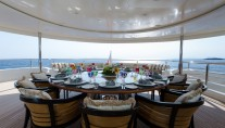 Super Yacht O'PARI3 - Bridge deck dining
