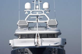 Super Yacht Triple Seven front view
