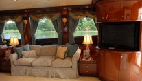 Super Yacht prestige-lady Main Saloon