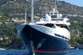 Super yacht Double Trouble - front view-001.JPG