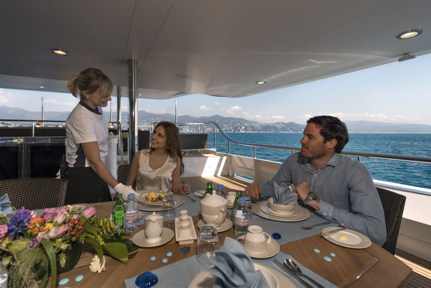 Charming Super Yacht THE WELLESLEY   Alfresco Dining