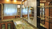 Superyacht Amer 92 - Owners Bathroom