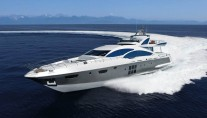 Superyacht Azimut Grande 120SL at full speed