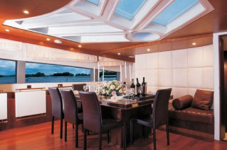 Superyacht Contessa - Dining