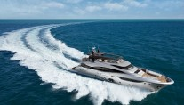 Superyacht G underway