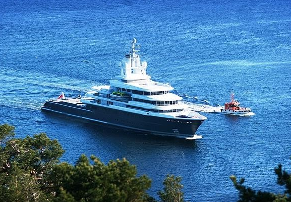 Superyacht LUNA by Lloyd Werft and Stahlbau Shipyard