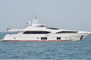 Superyacht Majesty 122 - side view